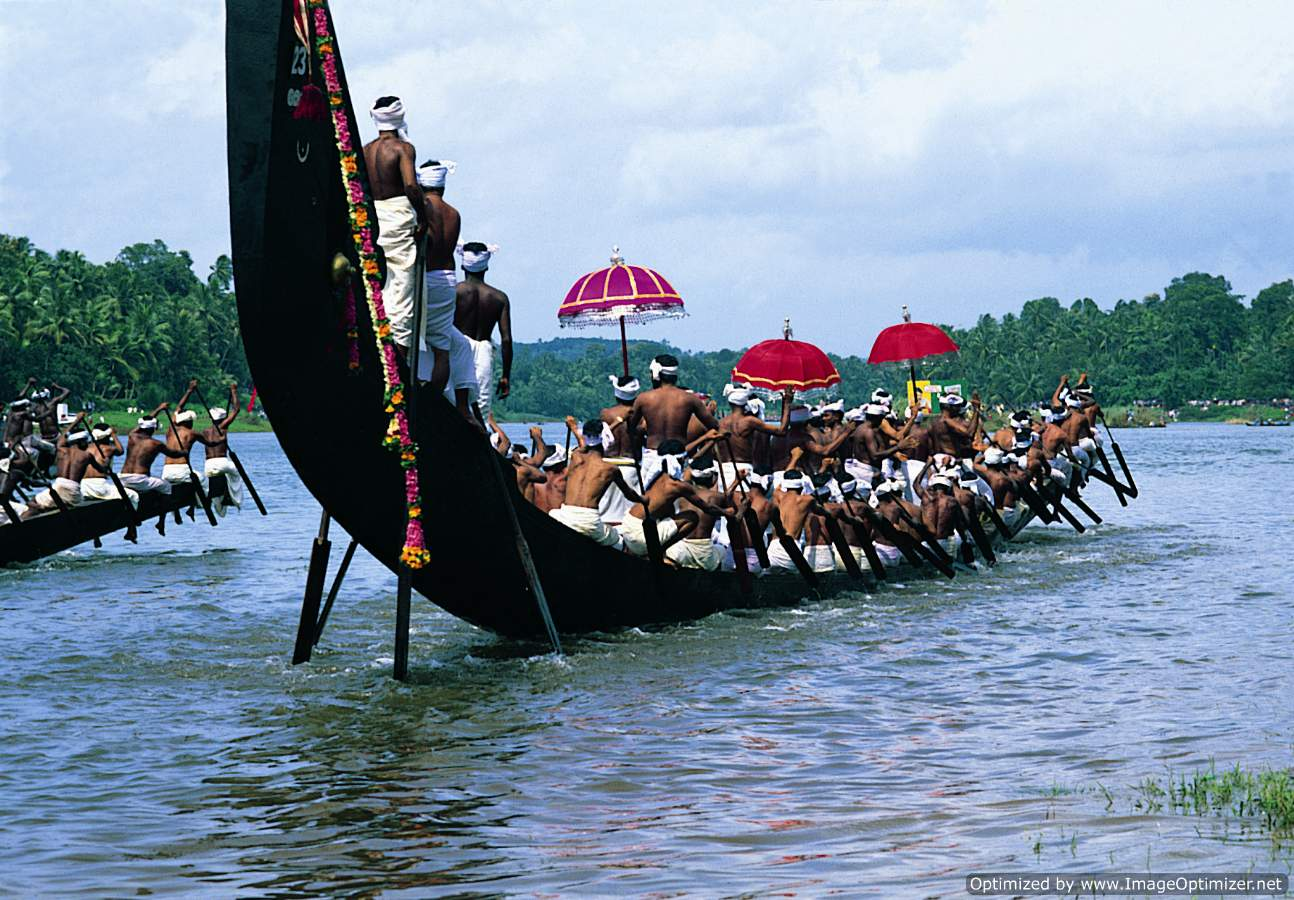 Tour photo of Snakeboat Tour